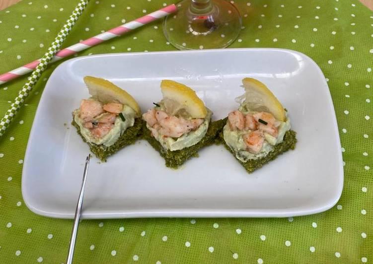 Ricetta Finger food con crema di avocado e tartare di gamberi