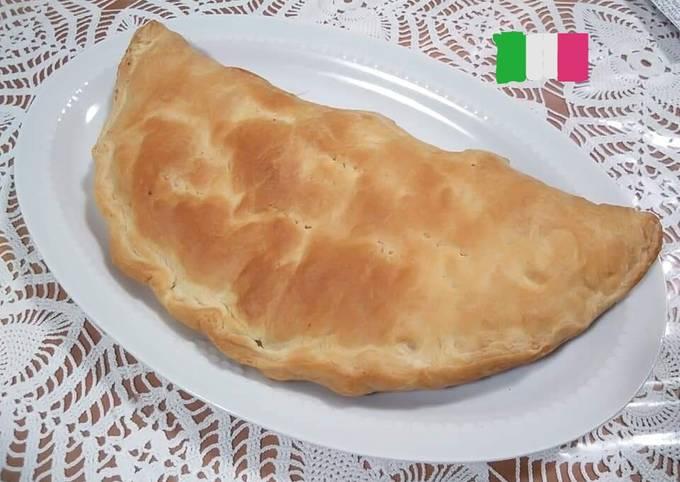 Rustico con wurstel, patatine e mozzarella