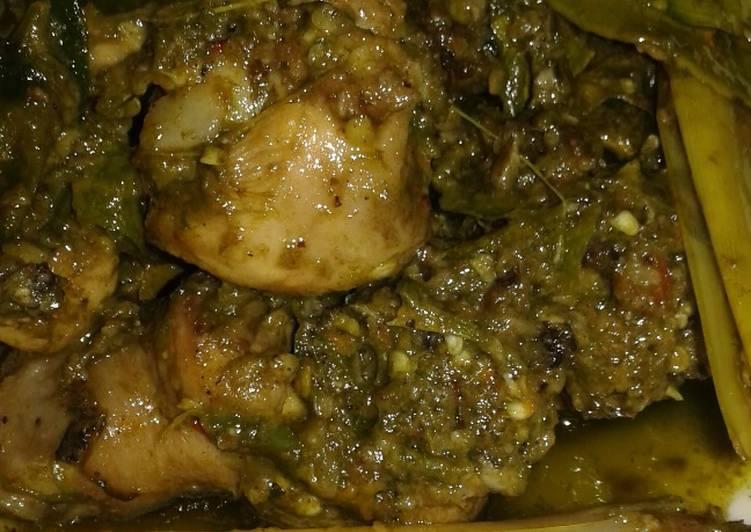 Ayam lado mudo (sambal ijo) khas minang