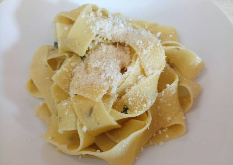 Pappardelle with artichoke and sage sauce