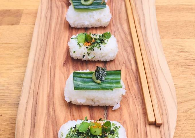 Brown rice vegetable sushi with salt and lemon edamame beans🌱🍱