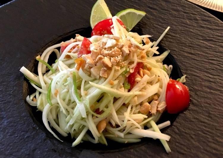 Salat Pepaya Mentah/Hijau-Kacang Mede