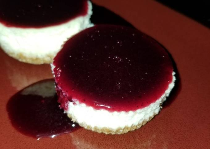 Simple Way to Make Quick Mini Cheesecake with Blueberry Sauce
