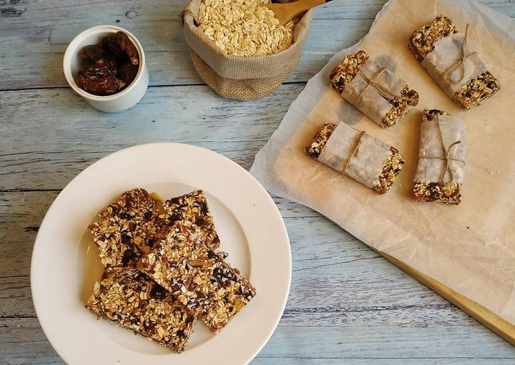 No-bake granola bar(with gulukand)