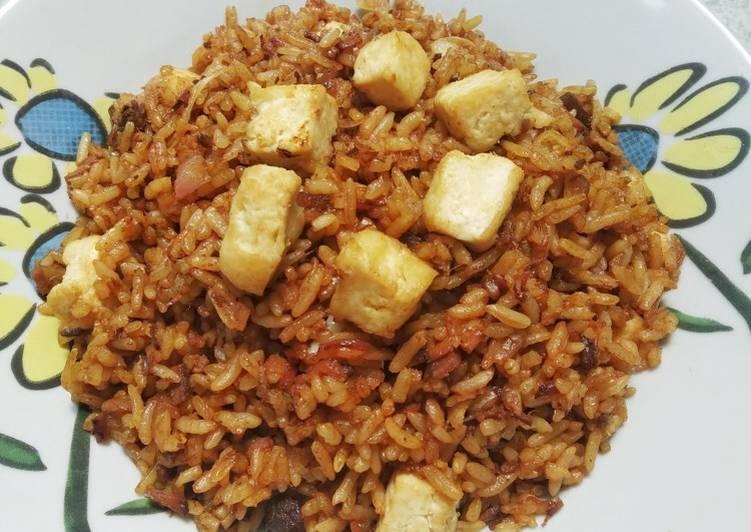 33. Nasi Goreng Daging Semur