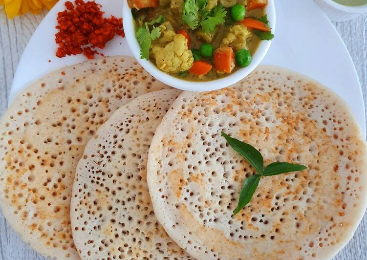 Recipe of Award-winning Set Dosa with vegetable sagu (mixed veggies curry).