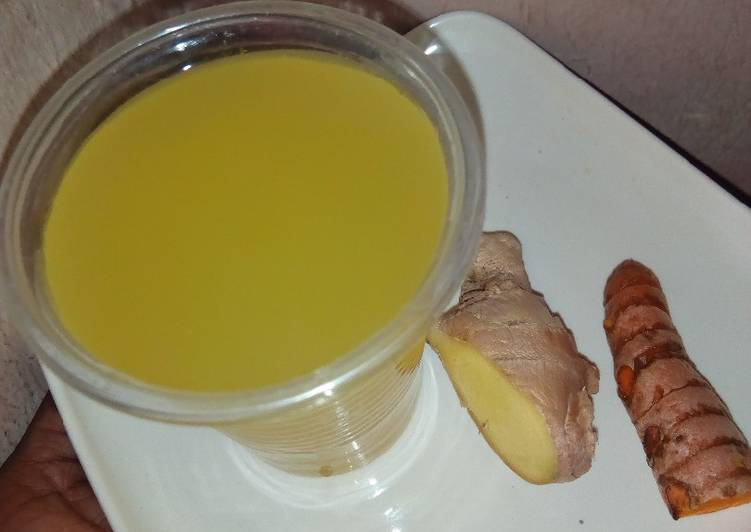 Step-by-Step Guide to Make Favorite Tumeric and ginger drink