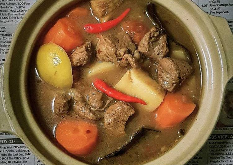 Resep Beef Stew With Carrots And Potatoes Oleh In The Kitchen With Jackie Cookpad