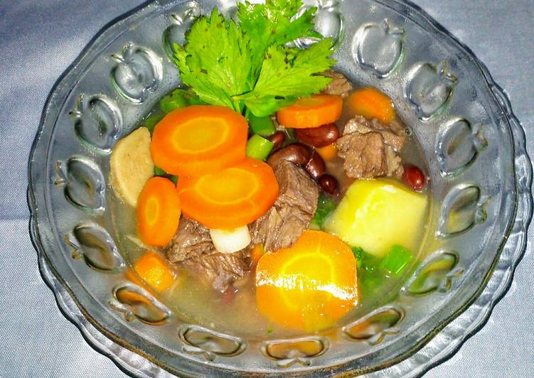 Sop sayur kacang merah + daging kambing