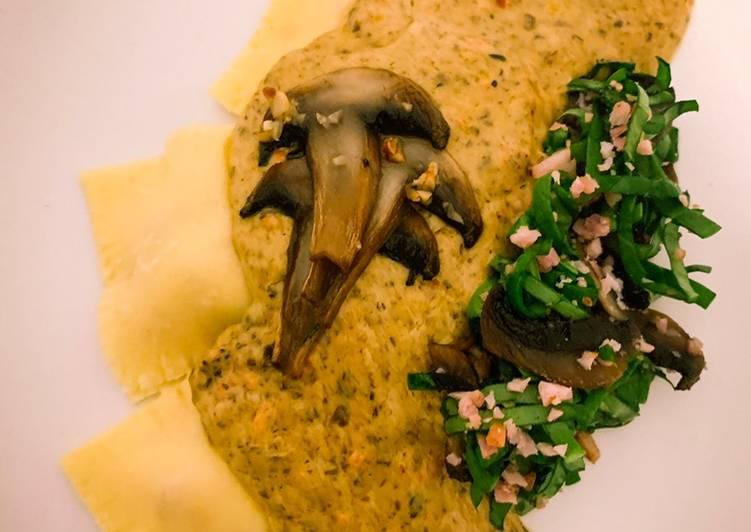Recipe of Perfect Squash ravioli with mushrooms & spinach sauce