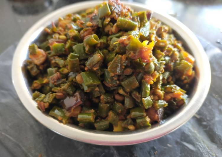 Easiest Way to Prepare Quick Green Cowpea Beans - Brinjal Sabzi