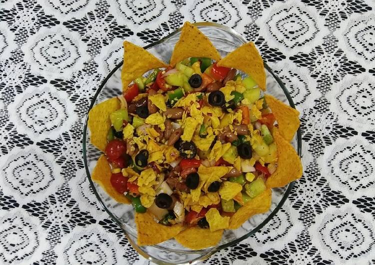 Mexican nachos salad