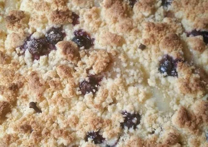 How to Cook Perfect Apple and Blueberry Crumble