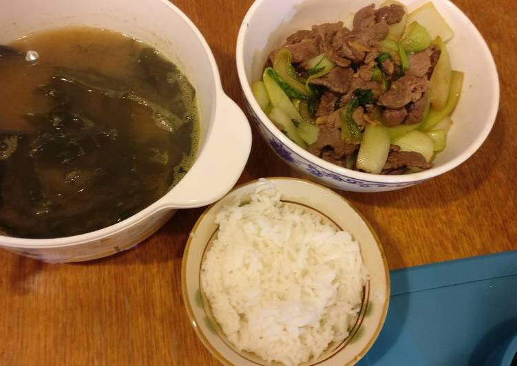 Stirfried beef with bok choy