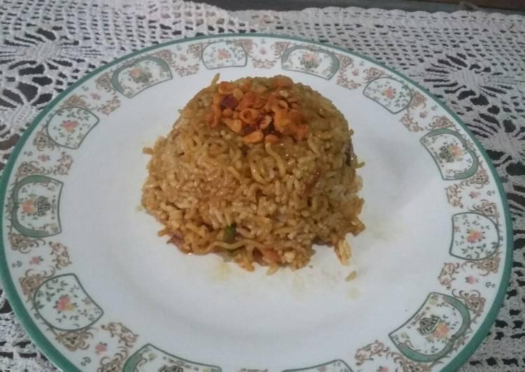 Nasi goreng mie sosis bakso penuh cinta