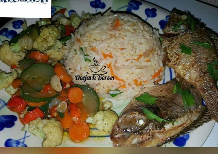 Recipe of Award-winning Carrot rice/veg sauces/fried fish