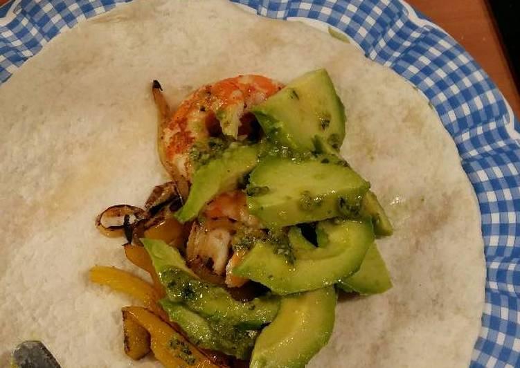 Easiest Way to Make Perfect Burrito con langostino y aguacate con pesto