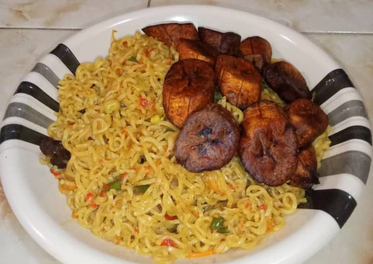 Indomie and fried plantain