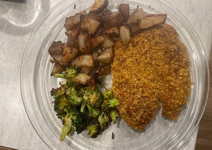 Crunchy Italian Chicken with Spiced Potatoes & Lemony Broccoli