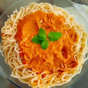 Salsa para pasta a mi estilo con Tomate y Huevo