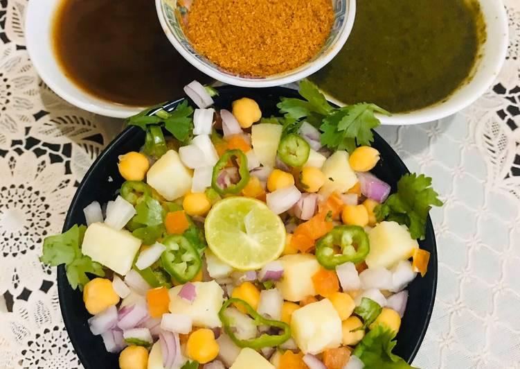 5 Minute Easiest Way to Prepare Favorite Patato chana chaat