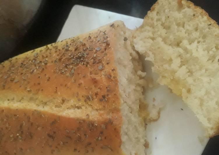 Amish white bread - source missinthekitchen.com