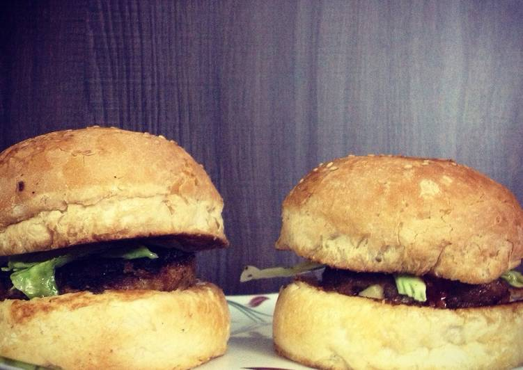 Lamb Burgers – So Yummy Cookbooks