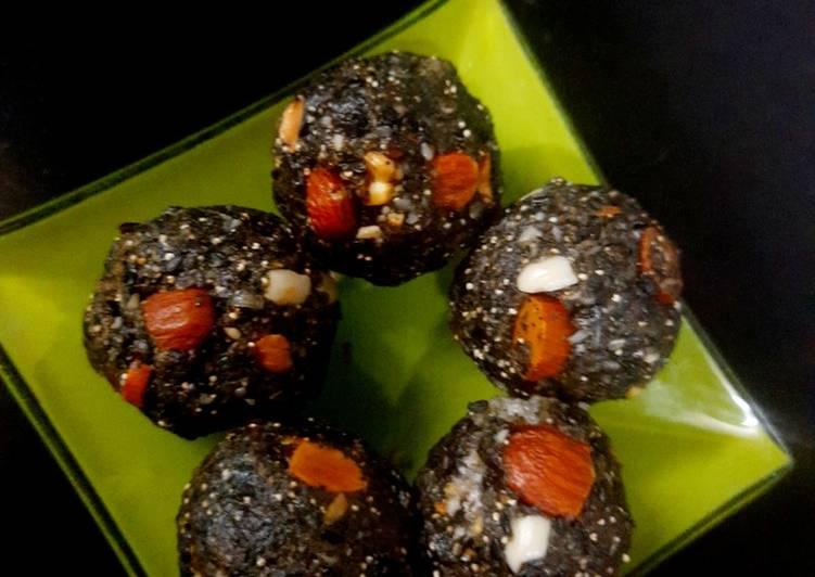 Black sesame dryfruit ladoo