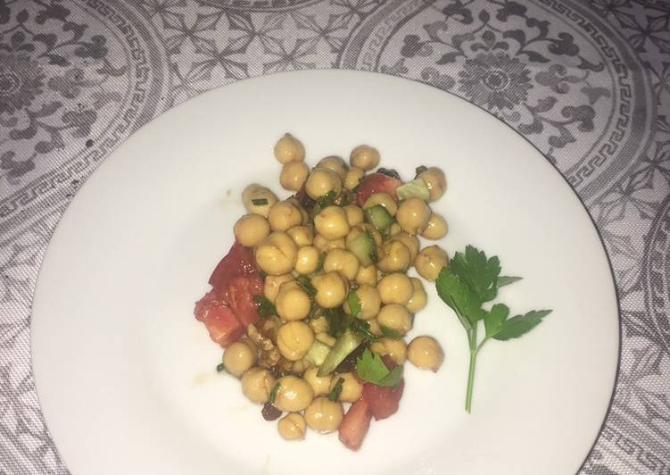 Steps to Prepare Any-night-of-the-week Vegan Chickpea salad 🥗