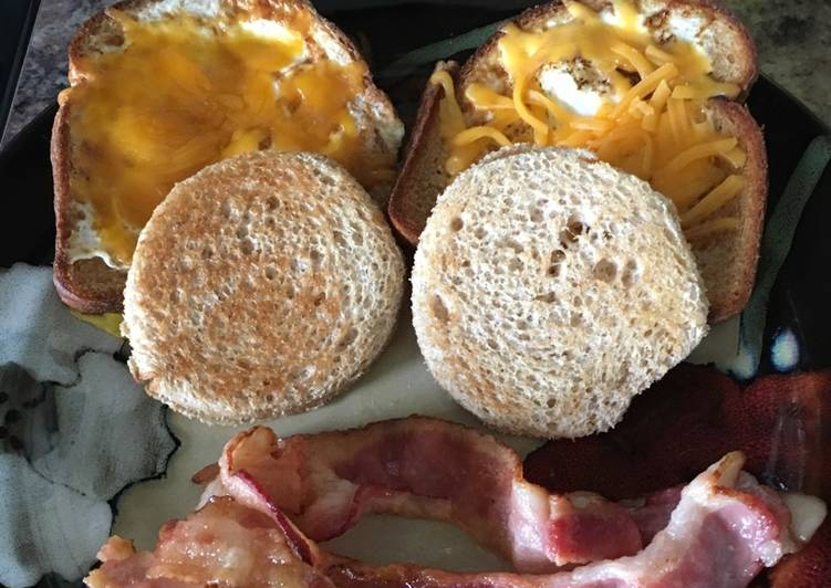 Peek a Boo Eggs with Ham and Cheese