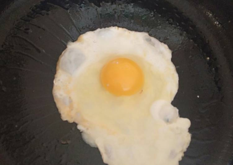 Step-by-Step Guide to Make Homemade Sunny side up egg # theme challenge