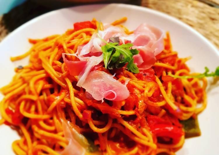 Pasta in Paprika-Tomaten-Soße