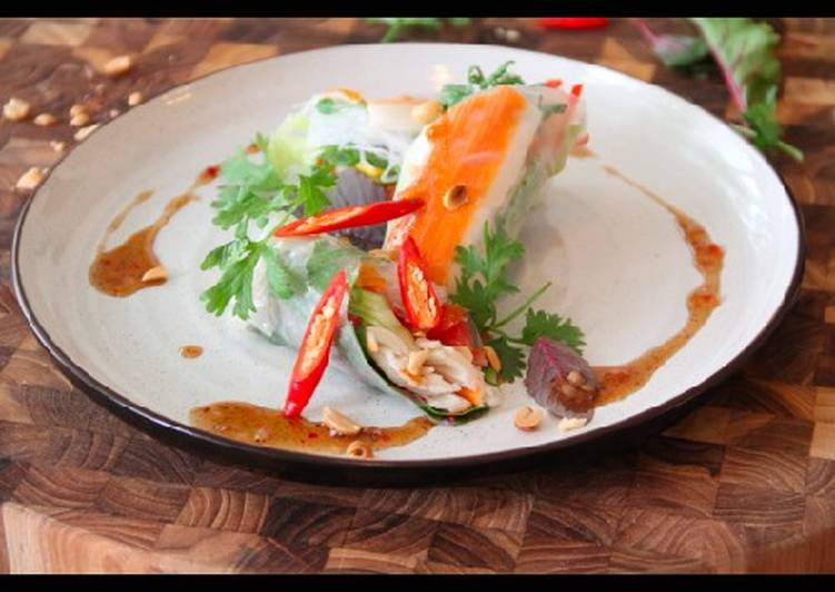 Recipe of Homemade Veitnamese Rice paper Rolls, crab meat and chilli dip