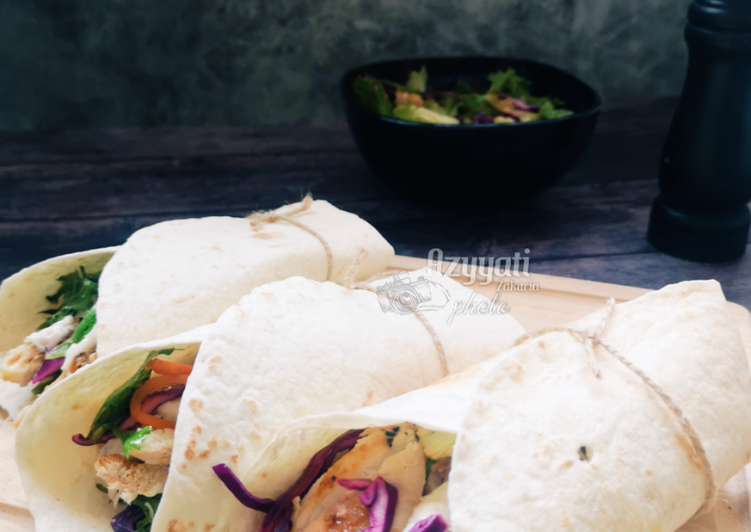 Tortilla wrap ayam bakar #MunahMasak - velavinkabakery.com