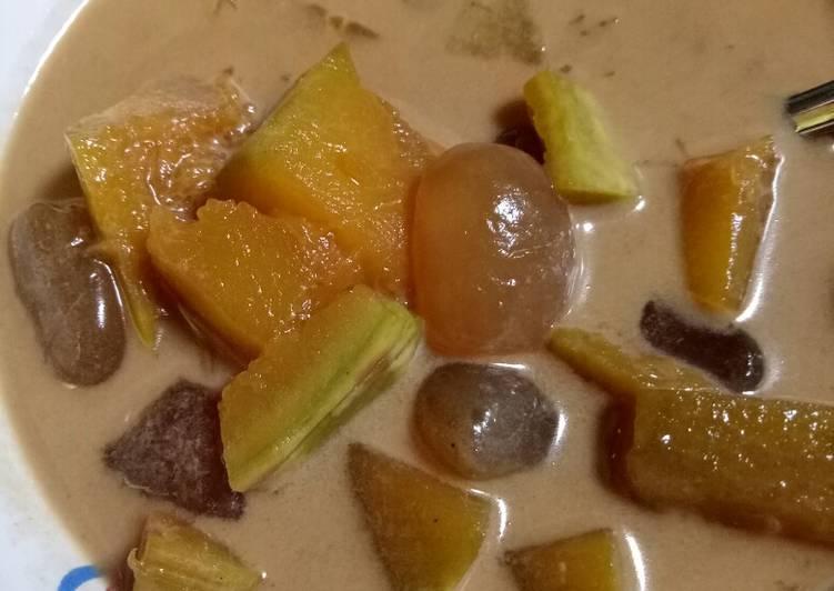 Kolak pumpkins / kolak labu kuning dan kolang kaling