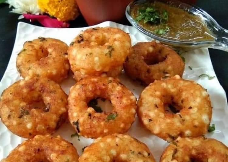 Steps to Prepare Speedy Sabudana donuts