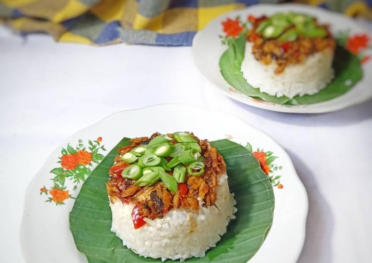 Nasi Tim Ikan Tongkol Suwir
