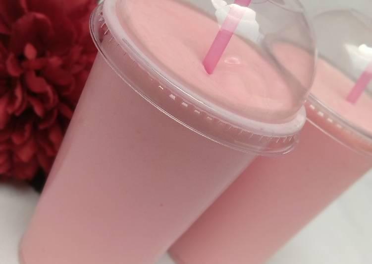 How to Prepare Tasty Strawberry smoothie
