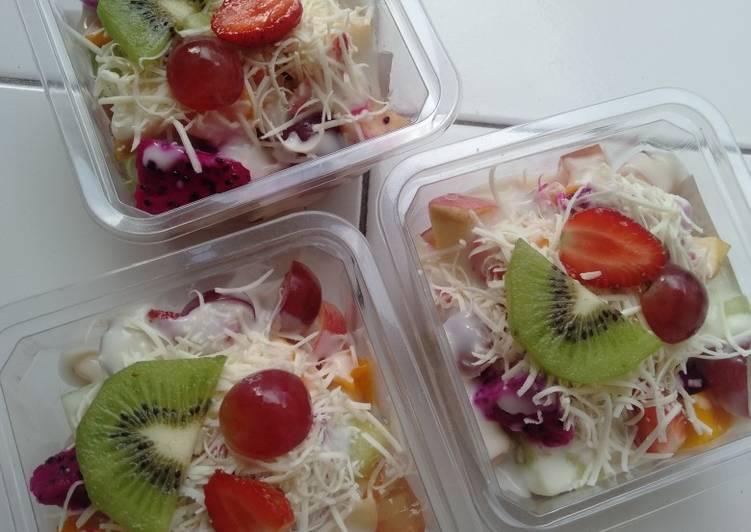 salad-buah-simpel