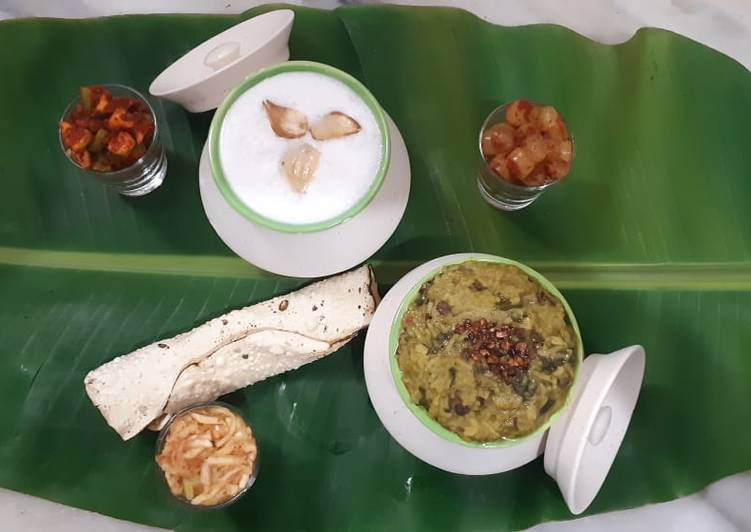 Best Comfort Dinner Ideas Refreshing Palak panch dal khichdi tempered with burnt garlic