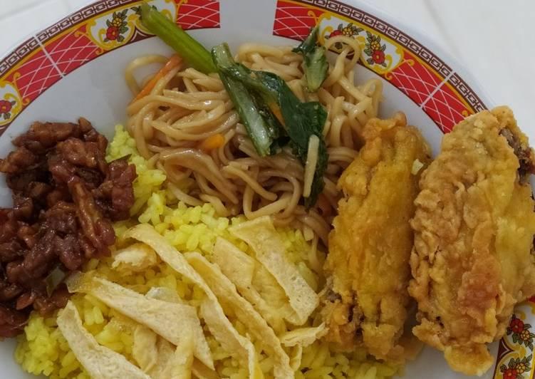 Nasi kuning magic com (simple bahan seadanya) - cookandrecipe.com