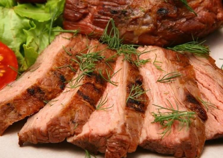 Шейка свиная, запеченная в духовке целым куском