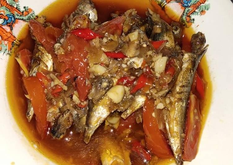 Ikan lajang masak sarden