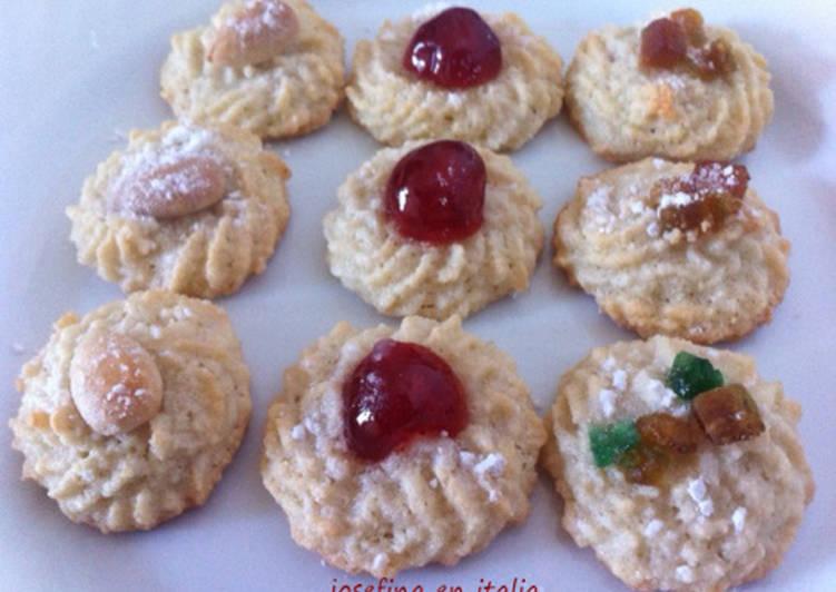 Galletas de almendras/Dolcetti alla pasta di mandorle