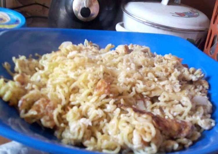 Scrambled egg and noodles