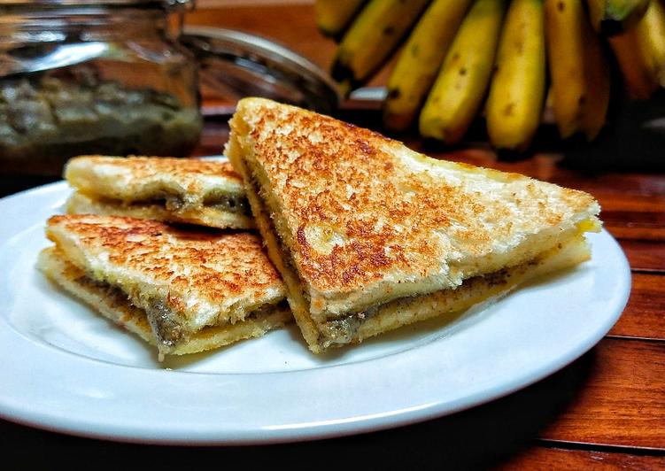 Roti bakar selai pisang camilan mp-asi dan anak-anak simpel