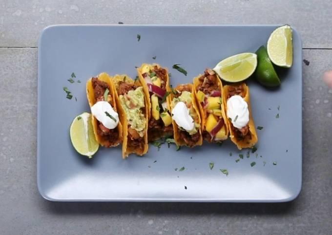 Cheese shell mini tacos