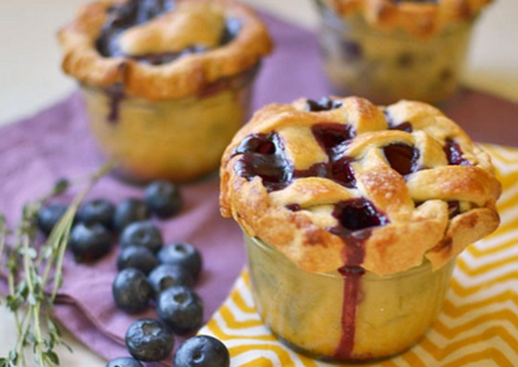 Step-by-Step Guide to Prepare Perfect Blueberry Thyme Pie in a Jar