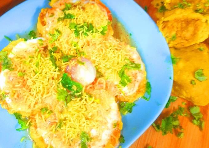 Steamed Batata vada Chat