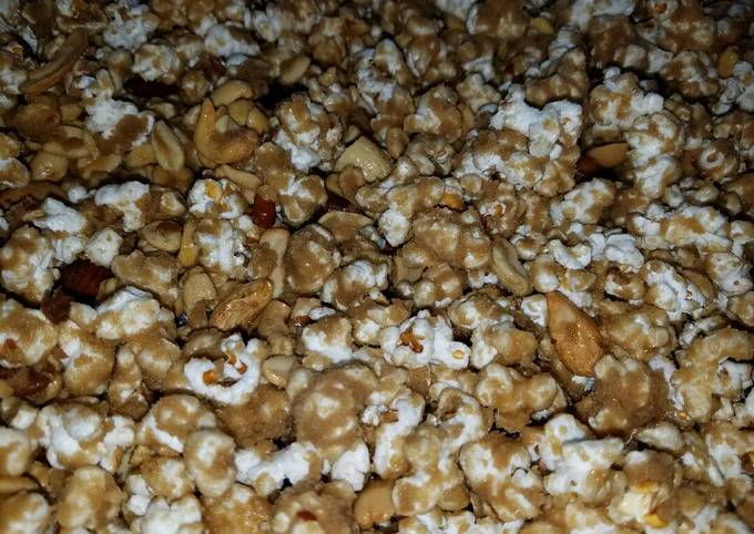 Easiest Way to Make Tasty Old Fashioned Caramel Popcorn
